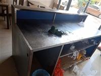 不锈钢桌子,有空洗一下还可以洗的很新.
