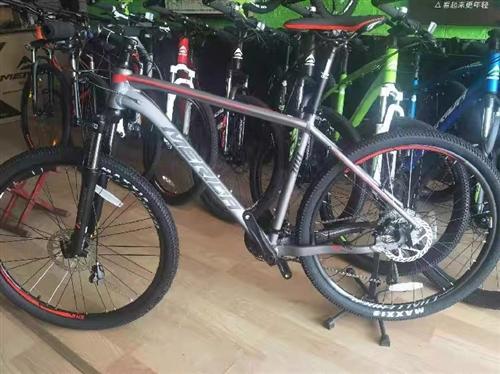 出售一辆美利达自行车,9.9成新,市区总共骑行2次,由于家里无地方置放,现忍痛转让,非诚勿扰。