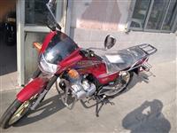 豪爵摩托车出售,**车,没上牌,国三车。