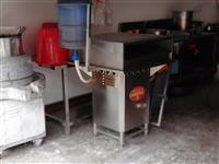 石磨机,肠粉机,灶台,餐桌,碗筷等用品,南桥新市场,价格面议,电话:18607976034