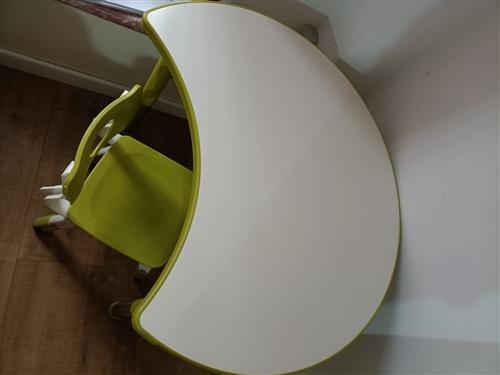 很新的课桌,画画桌