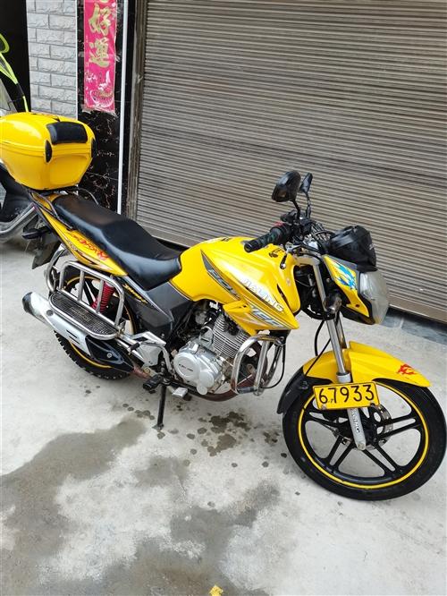 8成新,0事故 ,刚年审 , 个人一手摩托车 换了大车 摩托车没骑咯,看上的电话联系
