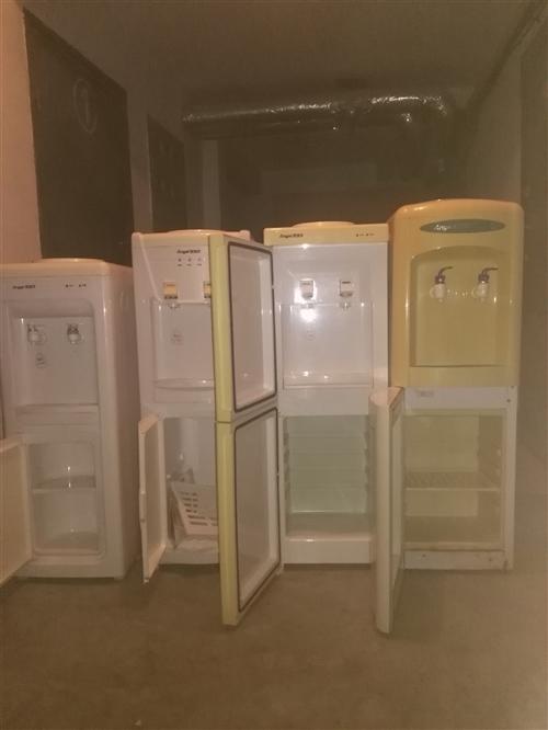 出售2手立式饮水机4台安吉尔都是好的,可以现场通电,一台25元。