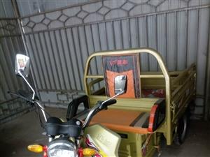 金彭电动三轮车出售,九成新,车车状况良好,车厢长140厘米,宽100厘米,有喜欢的可以开走。联系13...