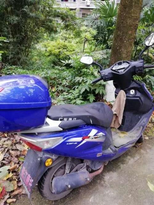 16年珠江摩托,里程9000多公里,按时定期保养,车况好,有力。需要可以联系价格1200左右。