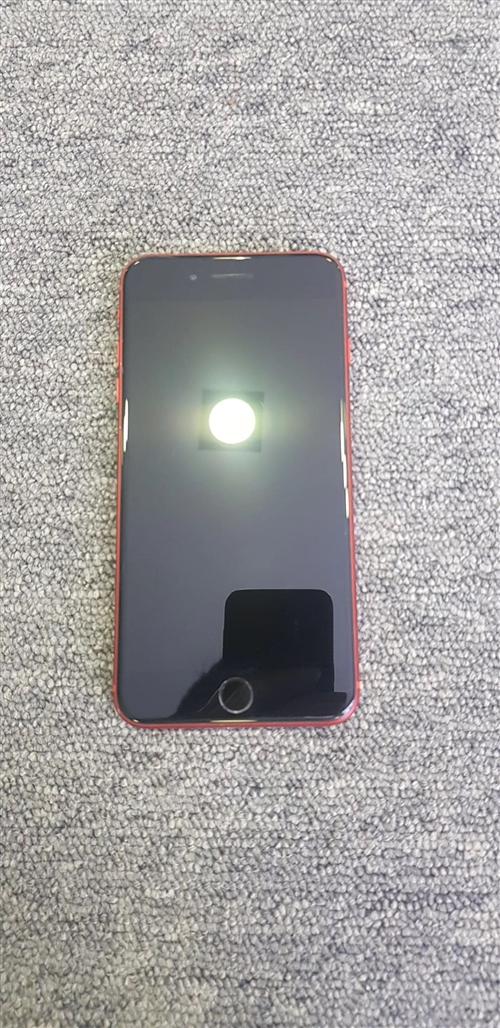 出售iPhone8plus手机1个