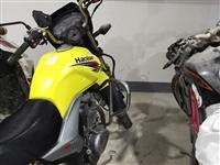 豪爵150摩托車喜歡的可以來看。車在鎮雄縣城,非誠勿擾。非誠勿擾。非誠勿擾。重要的事情說三遍。急用點...