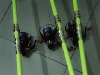 飞鲨4.5配7000金属轮 总共下水一超过五次 前俩个星期购入 老婆不让钓鱼 低价转让 单根不卖