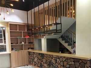 承接室內外裝修,專業吊天花、柜子、集成墻板。