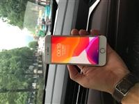 出售自用苹果7一台  32G  有锁使用卡贴跟国行一样的 3网4G 全原装没有修过  屏幕左下角有一...