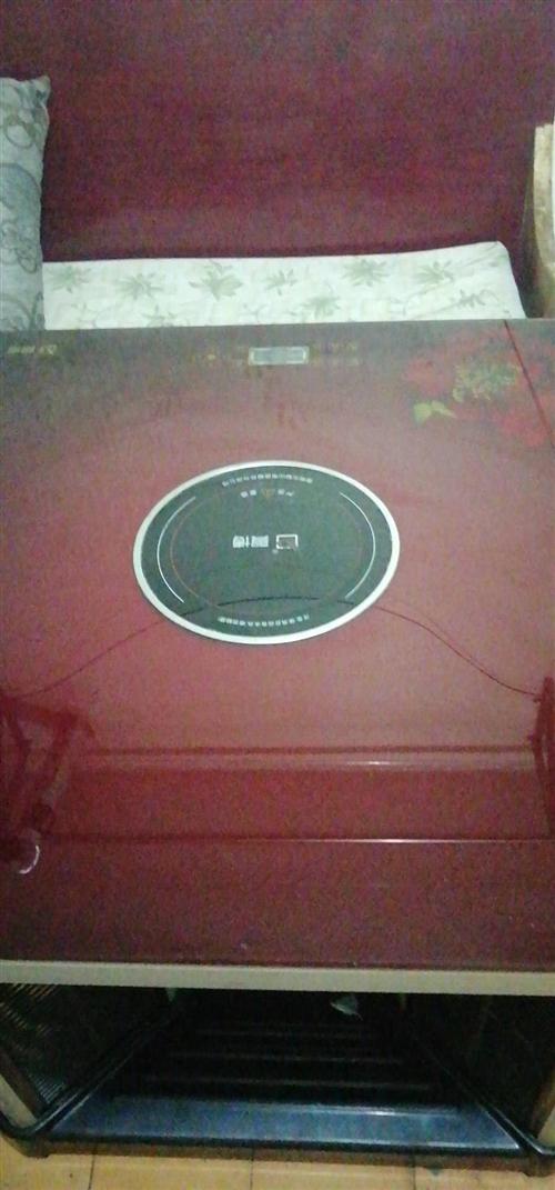 品牌電烤爐,九成新可吃火鍋,可烤火四面的,安逸得很,節約電,有需要的要趕緊哦