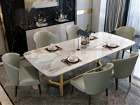 求各位朋友转发一下,**餐桌无破损,2米×1米,大理石台面,图片为商家图片,7月25日到货安装,因餐...