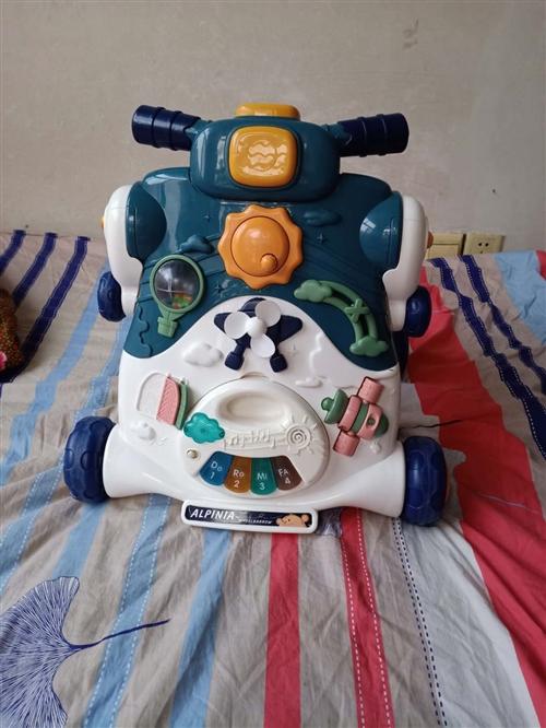 王子日记学步小推车   可变滑板车   基本**   家里玩具车多便宜转给需要的宝妈