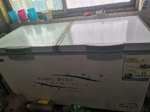 九成新雙溫冰柜518升,現超低價處理。13837943637