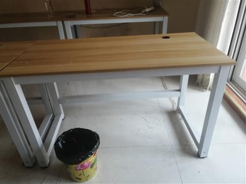 电脑桌120.60.72 桌子用了一个月剩余5张 椅子剩余一张  看中的联系微信1669680199...