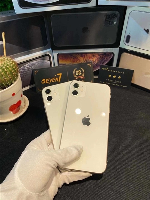 iPhone 11(300多天保修) 配置:128G国行三网4G 成色:98新 纯原装,无拆修