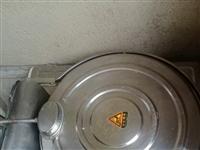 低价出售电饼铛、有意者请联系18111409982