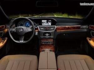 奔驰E260L豪华轿车