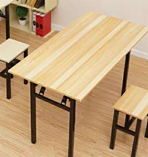 二手桌椅处理,曾用于托管班桌椅,桌子1.2*60*74左右,非折叠。稳定性好,不摇晃,有10张桌子,...
