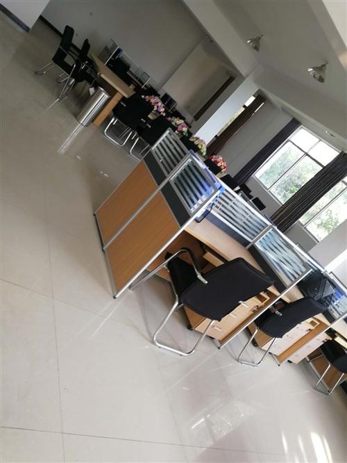 多种办公桌椅出售