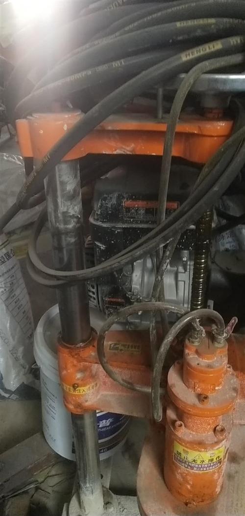 急转让护栏打桩机,汽油挖孔机,九成新,13633876964