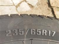 卖4条,95新,雪地胎235/65/17 ,450一条买的,有意者电话联系18345066682