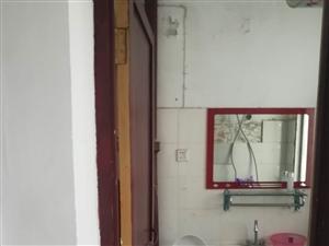 双湖西路老供电局宿舍四楼,冰箱,热水器,床,可领包入住