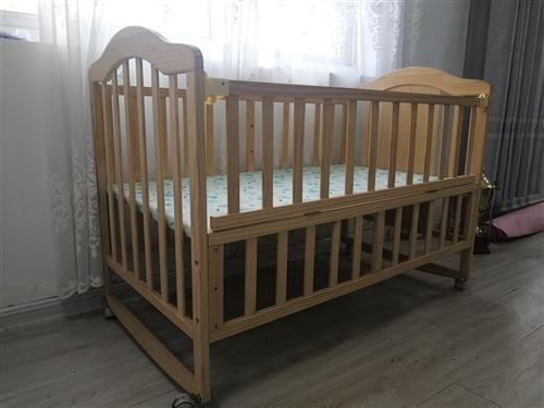 實木嬰兒床,九點九成新,孩子沒睡過,沒味道 高低可調節 本地自提 120