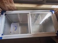 九成新新冰柜600元转让