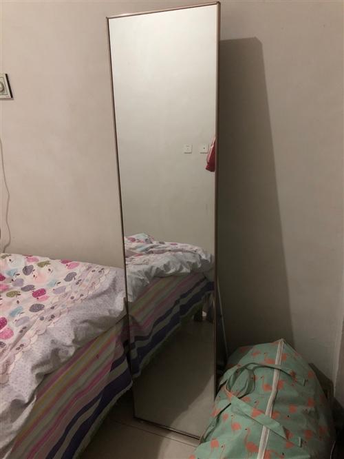 大镜子,刚买没多久,要搬家,急出售