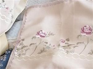 專業定做真皮,實木,布藝的沙發墊