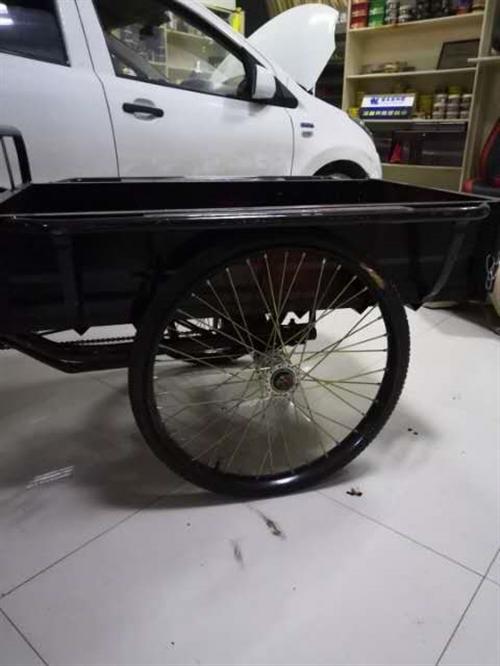 处理脚踏三轮车,九成新,价格合适