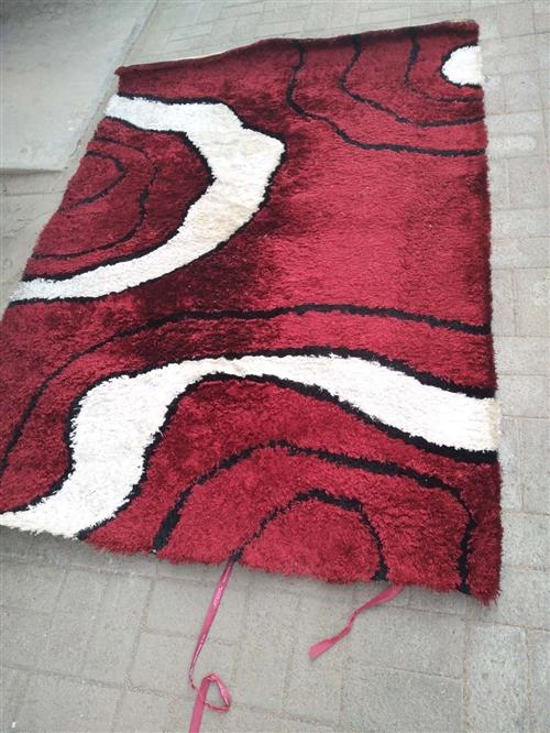 长毛地毯,1.6米米乘2.25米,原价,980元