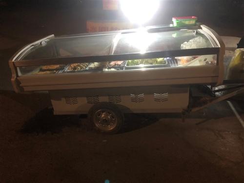 闲置9成新4月份直冷生鲜柜带下边小车,可议价