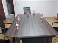 会议桌1.2米*2.4米,今年买的,现在转让,交易地点博兴新城二路技校西邻