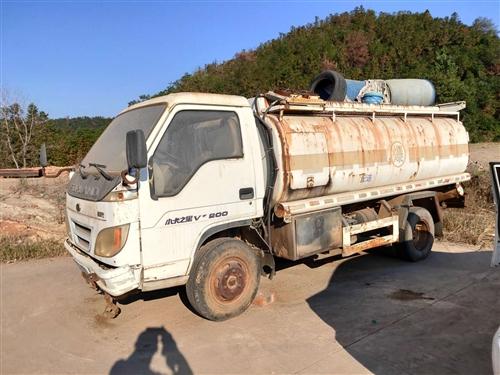 二手油罐车,5吨,4吨,还有10吨油罐出售
