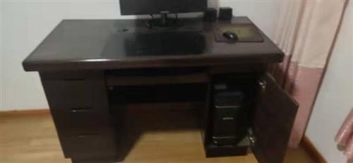 個人一手原裝正品聯想電腦,買來用不上,現低價出售有緣人,W10系統,帶桌子一起出售,需自己拿貨
