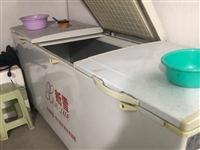 店铺要转让冰柜没有用想要卖掉,7成新三门,有意者可以联系18859705707微信同号