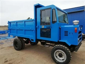四驱六轮八吨农用车