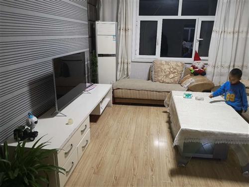 八成新全友沙发,茶几,电视柜低价出售,适合租房用,给钱就卖,有需要者电话联系18717689484
