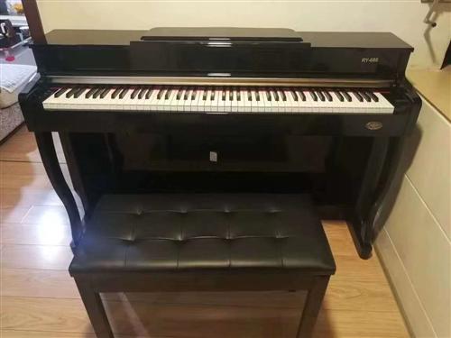 本人低价出售九成新钢琴,买得时候三千多,现在因急需用钱,需要的朋友打电话咨询15760264695