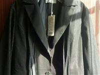 本人低價處理一批職業裝,女裝,風衣。北京大服裝公司尾貨。