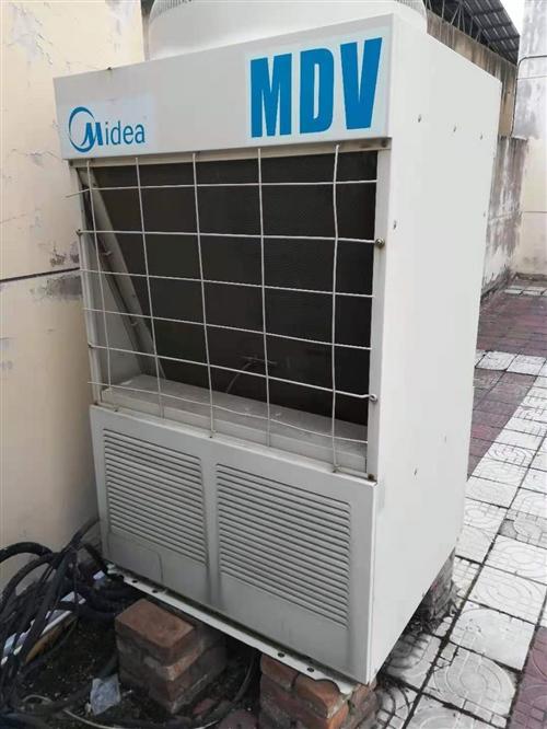 美的10P中央空调,五成新,自己门店的,现在处理给有缘人,看上东西,的,价格面议,诚意出售