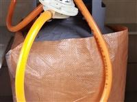 五公斤液化气罐,**,带新阀,配件** ,新买的二手房,天然气安装要等一段时间,所以先买了个液化气罐...