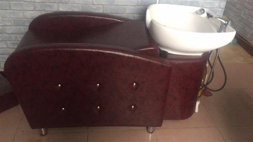 九成新洗头床,欧洲苑附近,有需要的可以联系18054104044