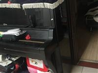 钢琴一架,闲置几年后,有些小问题,需要调试后可用!现不用了,占地方,出售,3000元。自提!