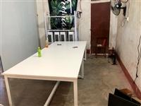 闲置桌子!9.5成新~纯白色!图一是实拍 简约现代会议桌、培训桌、洽谈桌、职员办公桌会议桌等… 长...