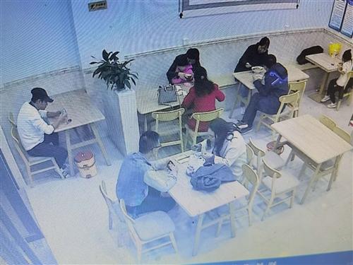 店面转让,位置好环境佳,家具齐全接手既可营业,中餐店,联系电话,15891583246