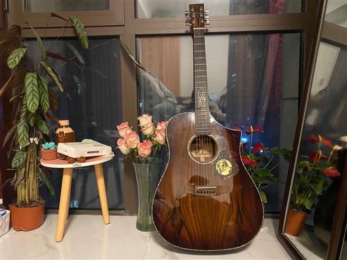 圣马可66周年纪念吉他 可自弹 可收藏 3500入手 现3199出给有缘人   送吉他包 可当面交易...